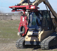 Rock and Tree Hand fits all the Skid Steers equipped with the Universal Quick'Tach